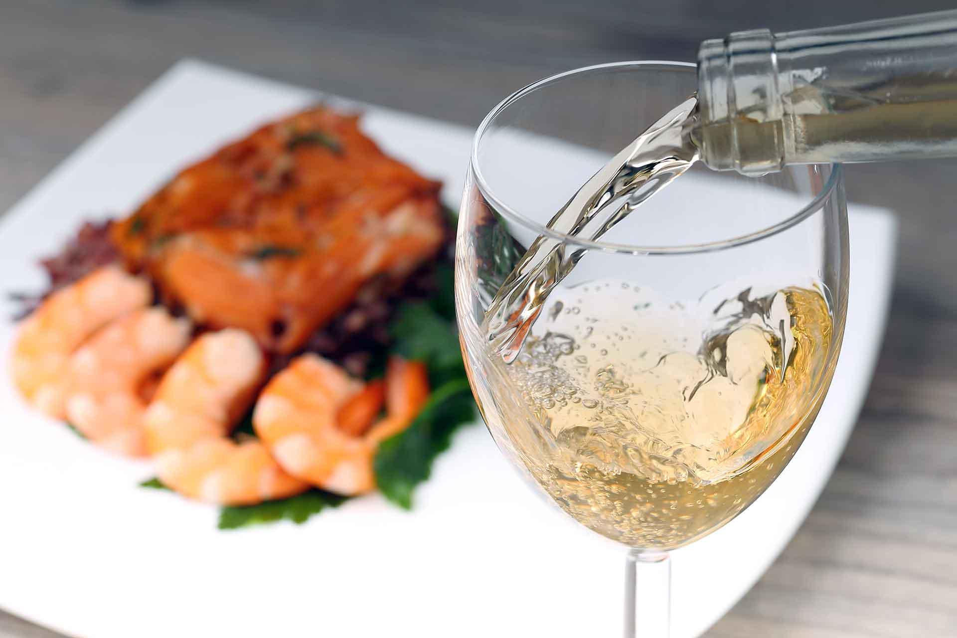 ποτήρι λευκό κρασί